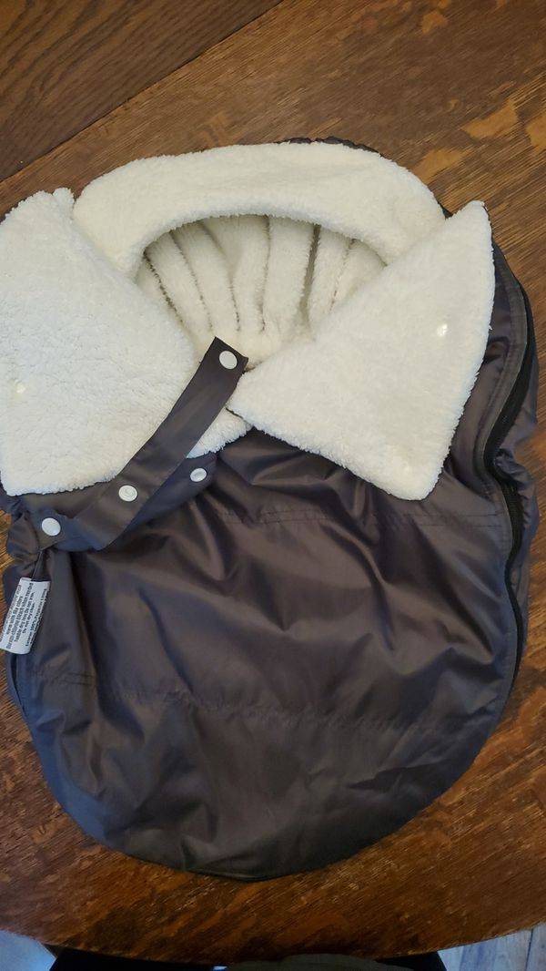 Warm fuzzy carseat cover