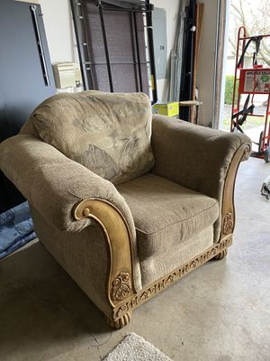 Reversible Cushion Chair (matching couch sold separately) for Sale in Camas, WA