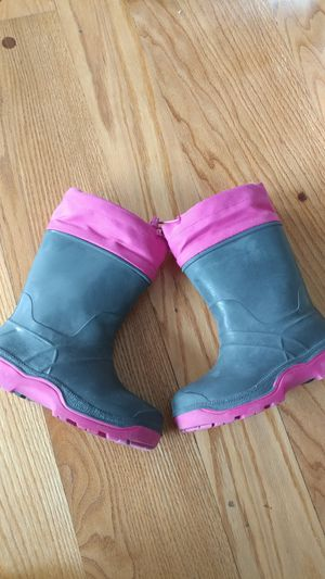 Girl's thermal snow boots size 12 for Sale in Apollo, PA
