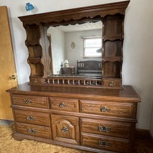 Vintage Full/queen Bedroom Set for Sale in Moundsville, WV