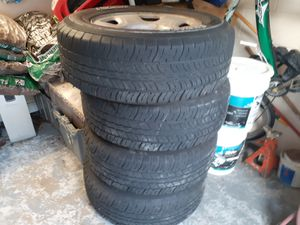 Fusion tire 255r/265/17 came off 2017 Ford the are in good shabe. for Sale in Orlando, FL