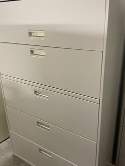 Five drawer lateral file cabinet $100 for Sale in Mulberry,  FL