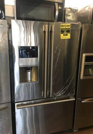 Electrolux Icon Counter Depth Bottom Freezer Fridge for Sale in Menifee, CA