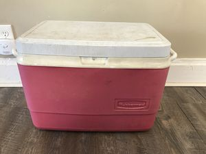 Rubbermaid Red Cooler for Sale in Columbus, OH