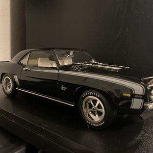 1967 SS Black Chevy Camaro 1:18 for Sale in Vancouver, WA