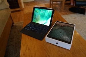 iPad Pro Late 2017 64 GB Apple Pencil for Sale in Chapel Hill, NC
