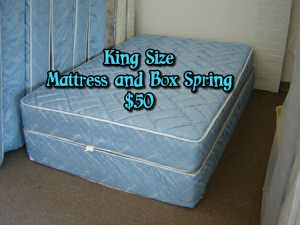 King Size mattress and box spring for Sale in Fresno, CA