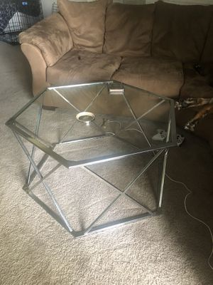 Super nice glass coffee table with side table for Sale in Hilliard, OH