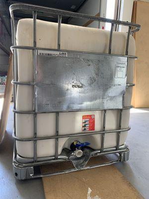 250 gallon tote for Sale in La Habra Heights, CA