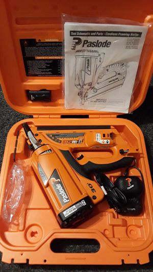 (PRICE IS FIRM) 30° PASLODE FRAMING NAILER KIT WITH BATTERY CHARGER AND CASE for Sale in Charlotte, NC