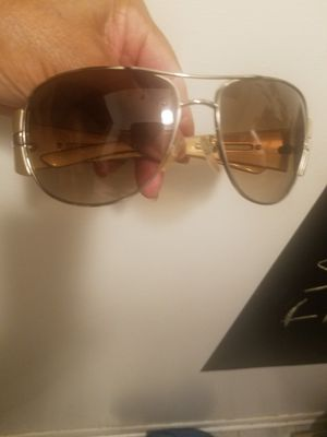 yes available dnt ask prada sunglasses mint wit case biege for Sale in Glen Ellyn, IL