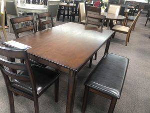 5 pc dining table set for Sale in Costa Mesa, CA
