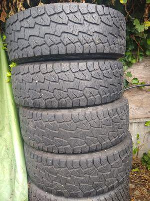 LT 285 70 17 Hankook Dynapro 80% tread for Sale in Kent, WA