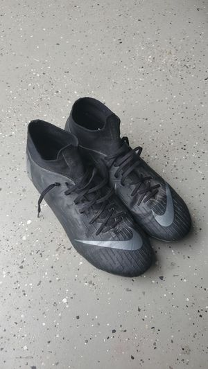 Nike 10.5 cleats for Sale in Richland, WA