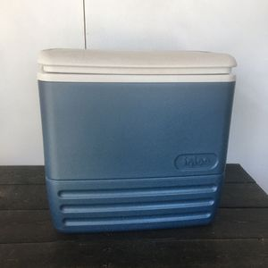 Igloo Cooler - 32 Can - Made in USA for Sale in Long Beach, CA