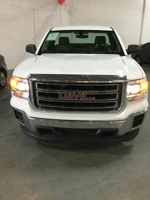 GMC SIERRA 150/ 2010 for Sale in Miami, FL