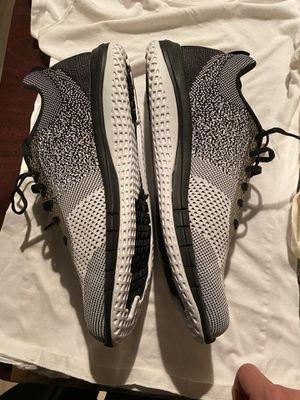 Reebok sneakers for Sale in Sterling Heights, MI
