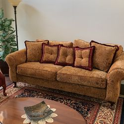 Sofa for Sale in Huntington Beach,  CA