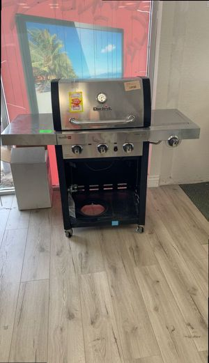 CHAR BROIL PROPANE GRILL 12 for Sale in Los Angeles, CA