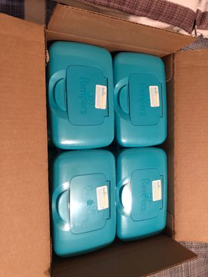 Pampers wipes complete clean (8 plastic box )big box for Sale in Bellflower, CA