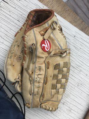 Baseball glove for Sale in Vallejo, CA