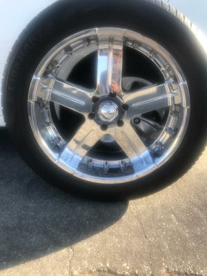 Lion Hart tires & 22 inch rims for Sale in Covina, CA