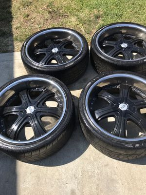 Black 22 inch rims for Sale in Industry, CA