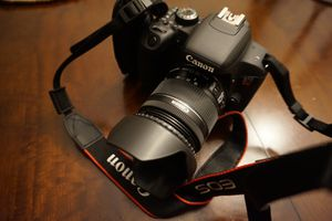 Canon EOS T7i for Sale in Fort Lauderdale, FL