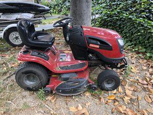 2011 craftsmen Yard tractor yt3000 for Sale in Rosemead, CA