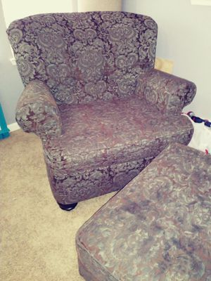 Big chair and ottoman for Sale in Fresno, CA