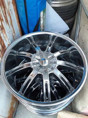 "Set de rines 22"" para chevy 6 birlos /only 3 rims 22""para ford 6 birlos con sensors y 1 rim 22"" 5 birlos todo por $250 for Sale in Huntington Park, CA"