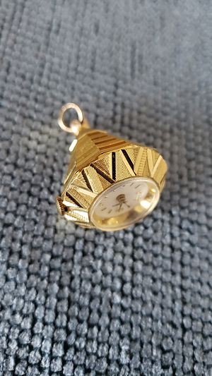 Diamond shaped Pendant Clock for Sale in Phoenix, AZ