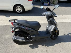 2015 Lance PCH 125 moped motorcycle scooter 3k miles! for Sale in Fountain Valley, CA