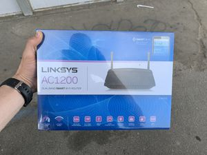 Unopened Router Linksys AC1200 for Sale in Los Angeles, CA