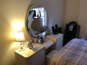 bed set vintage juego de cuarto for Sale in Hialeah, FL