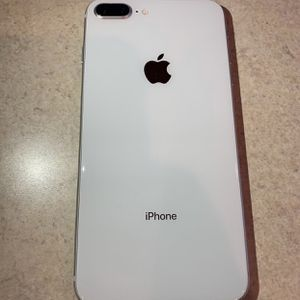 iPhone 8plus White for Sale in Babylon, NY