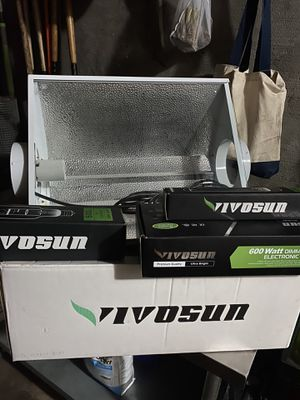 vivosun reflector hood with dimmable ballast for Sale in Queens, NY