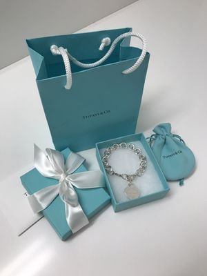 Tiffany and Co. Heart Tag Charm Bracelet (Brand New) 7.5 in for Sale in Clackamas, OR