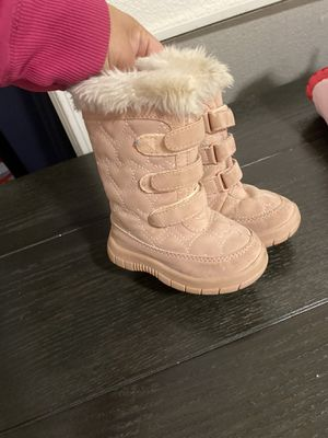 Snow boots girl for Sale in Perris, CA