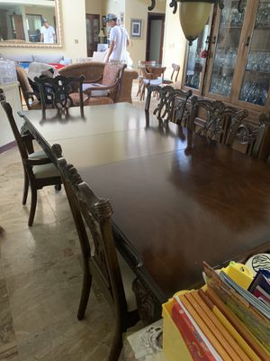 Formal dining room table with drawers + 6 chairs for Sale in Miramar, FL