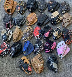 Huge Lot 28 Baseball Gloves Softball Wilson Rawlings Mizuno Louisville Slugger for Sale in Pelham,  NH