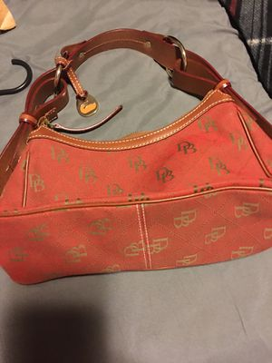 Small Dooney & Bourke purse for Sale in Winchester, KY