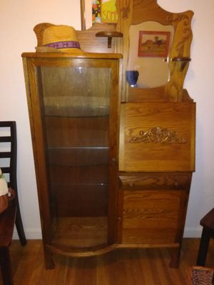 Amish made Curio Cabinet/Hutch for Sale in Brooklyn, OH