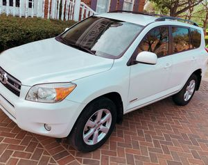 *Clean* 2OO6 Toyota Rav4 {PRICE IS $1OOO} for Sale in Miami, FL