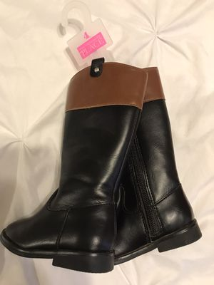 Rain boots size 5 riding boots size 4 . Used once. No scratches rips tears . Clean for Sale in Los Angeles, CA