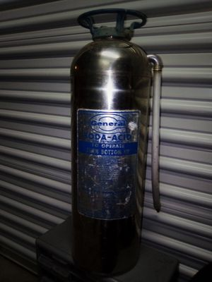General refillable soda ash fire extinguisher for Sale in Napa, CA