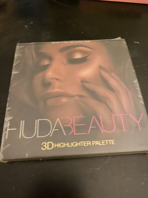 Hide Beauty 3D Highlighter palette for Sale in Fort Smith, AR