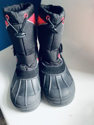 Kids snow boots size 3 for Sale in Harrisburg, NC