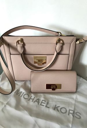 Michael kors purse and wallet for Sale in Beaverton, OR