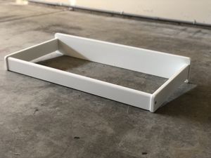 White wood changing table topper with waterproof pad for Sale in Lynnwood, WA